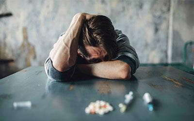 Ломка из-за отсутствия очередной дозы наркотиков - Алко-помощь
