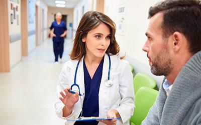 Доктор объяснит как будет проводиться кодирование - Алко-помощь