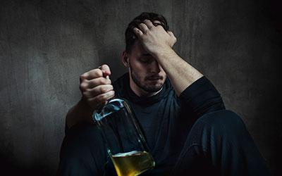 При принудительном воздействии человек вновь возвращается к выпивке - Алко-помощь