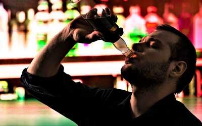Зависимый теряет над собой контроль - Алко-помощь