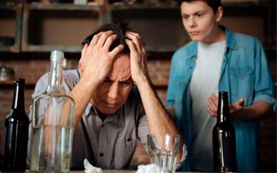 Алкоголики не желают обращаться за наркологической помощью - Алко-помощь