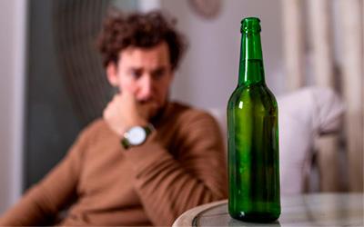 Как проявляется алкогольный запой - Алко-помощь