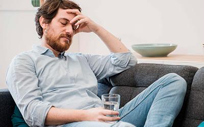 Нельзя лечить пьющего без ведома - Алко-помощь