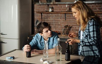 Поведение пьющего подростка в семье- Алко-помощь